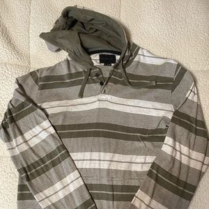 Like new! O'Neill hooded sweatshirt size small